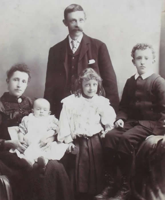 Leach Family of Blackburn
